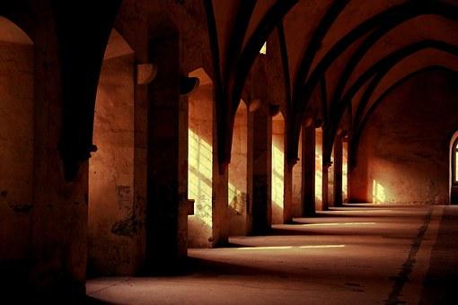 monastery-569368__340